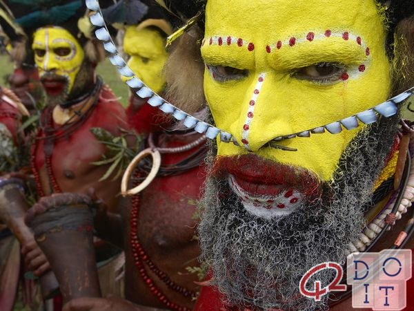 Tours to Papua New Guinea with Tribal Men  - 42doit